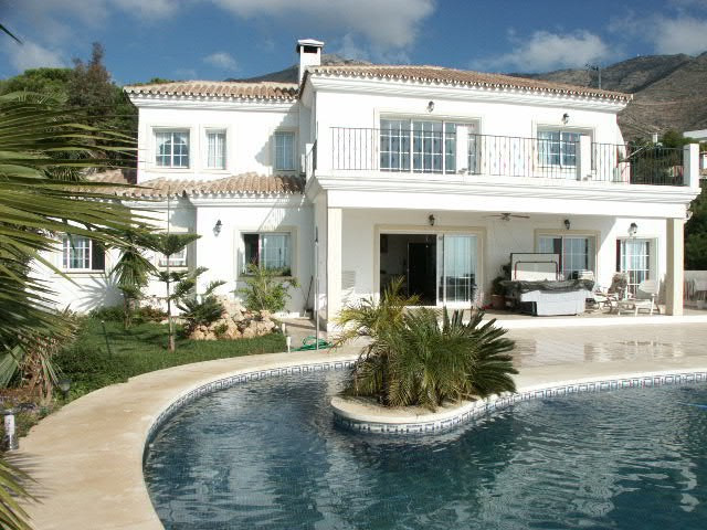 Stunning villa near Mijas Pueblo with six bedrooms, four bathrooms, a spacious living room and kitch, Spain