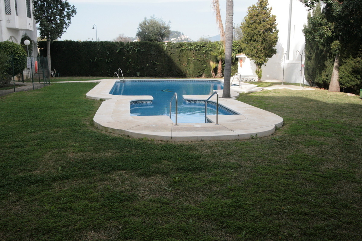 Apartment renovated in 2017 located in Las Lagunas of Fuengirola. Close to town, within walking dist,Spain