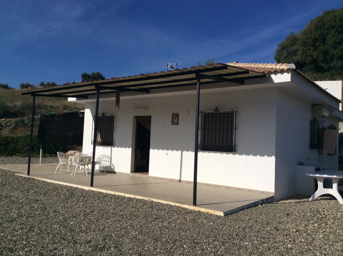 Lovely panoramic plot of: 6240 m2. Sits in idilic location: Camino de Alozaina close to Guaro. Areas, Spain