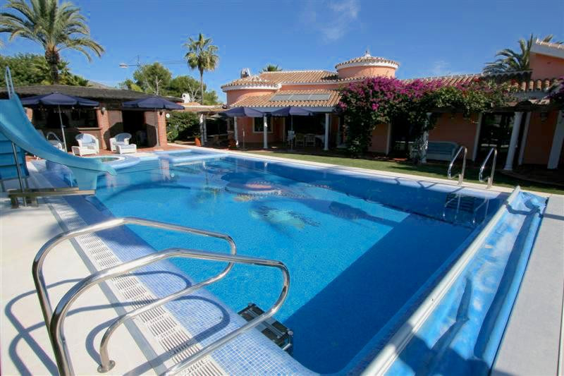 Absolutely stunning Andalusian style villa with a beautiful garden and a lovely swimming pool plus j, Spain