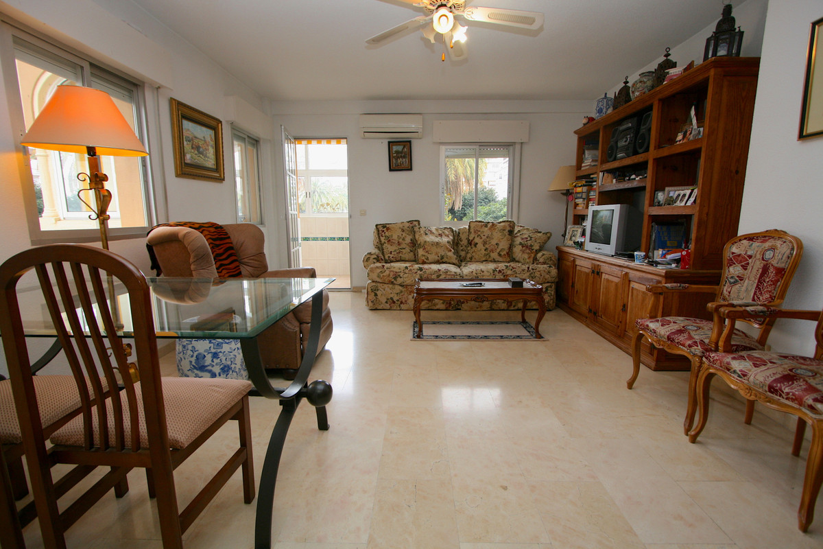 Great location! Building in the center of Fuengirola. Four bedroom, two bathroom apartment in good c,Spain