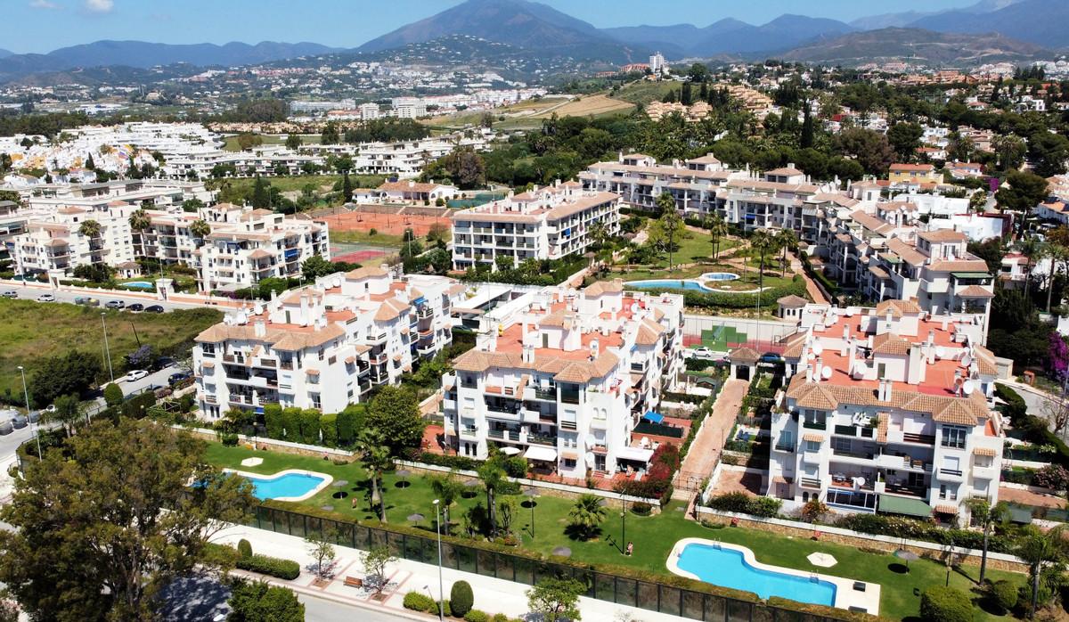 Marbella Banus Apartamento Planta Media en Venta en Nueva Andalucía – R3703451