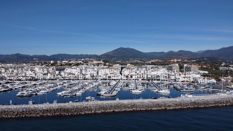 Lägenhet på mellanplan in Marbella