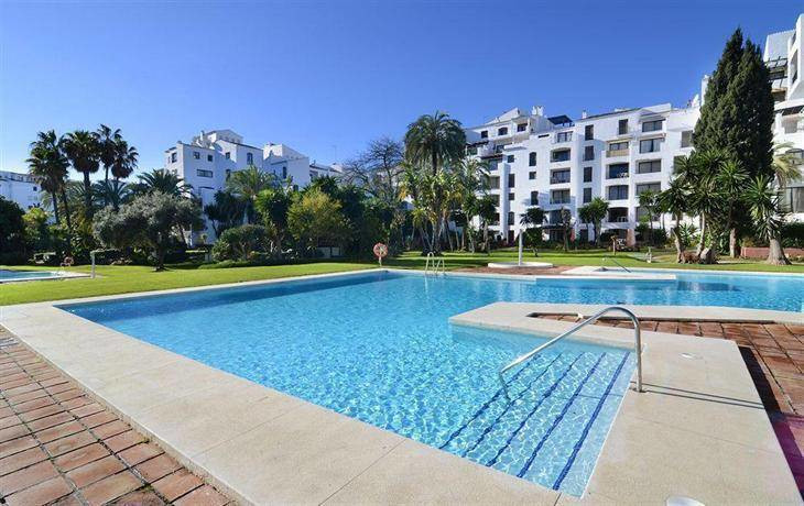 Magnificent opportunity to purchase a huge and bright apartment in the center of Puerto Banus. The a,Spain