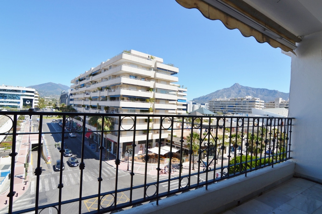 Puerto Banus, cheapest 2 bedroom apartment Banus!!!! Located right opposite the Antonio Banderas Squ, Spain