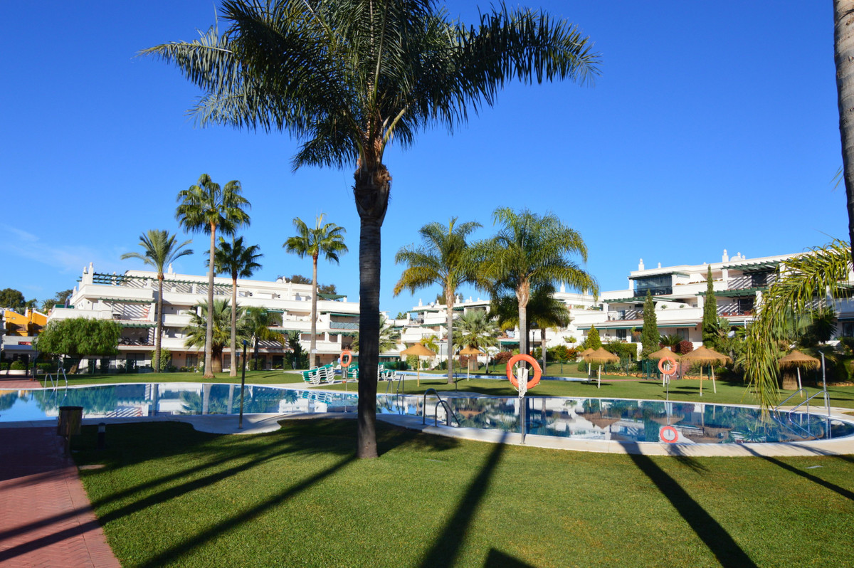 Ground Floor Apartment for sale in Nueva Andalucía R3944230