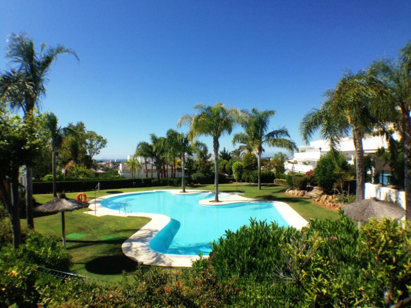* Nueva Andalucia, Recently refurbished ground floor properties in a nice, gated residential complex,Spain