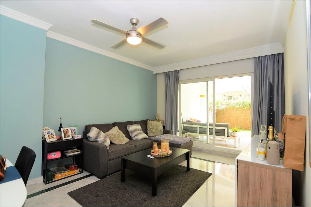 Apartamento Planta Baja en Venta en Marbella – R3706121
