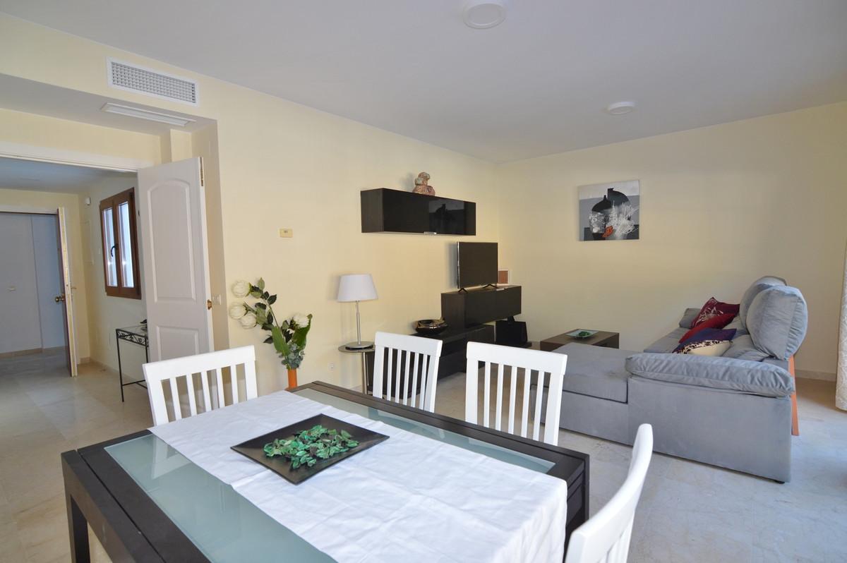 R3395662   Penthouse in Benahavís – € 189,000 – 2 beds, 2 baths