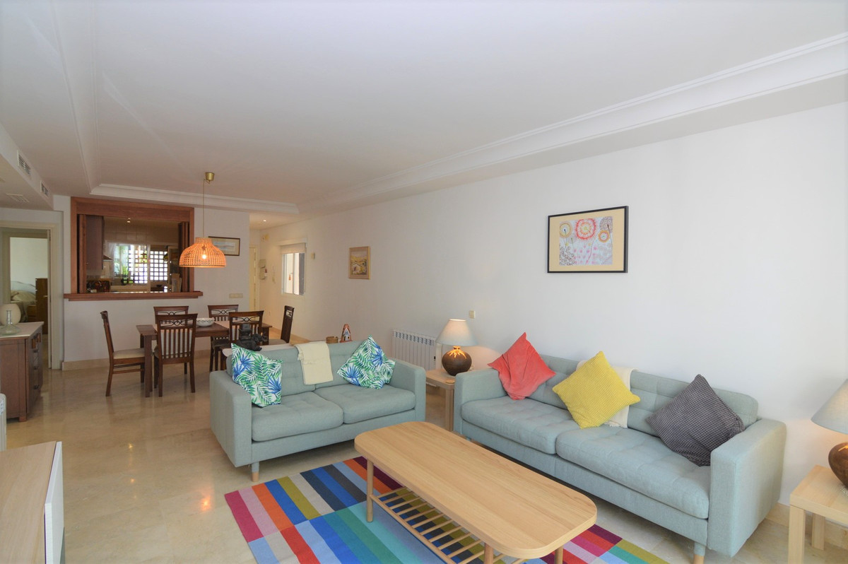 Apartamento con 2 Dormitorios en Venta Nueva Andalucía