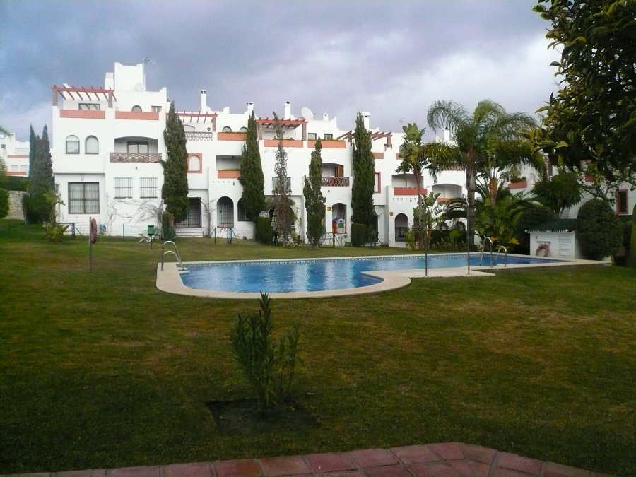Estepona, Cancelada Area, Spacious and very well maintained  townhouse with 3 bedrooms, 3 bathrooms , Spain