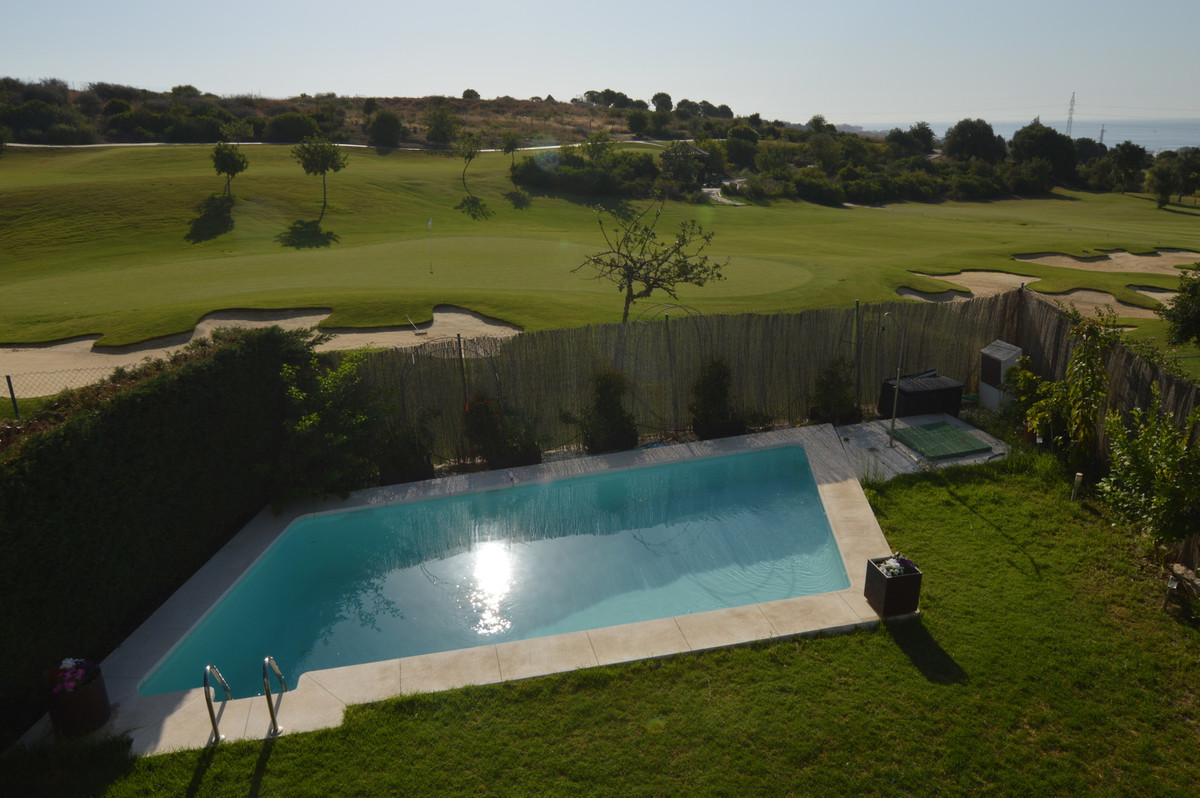 Beautiful spacious home with sea views located in a Golf residential area near the Port of Estepona., Spain