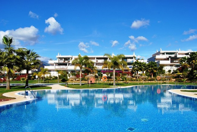 Nueva Andalucia. great two bedroom and two bathroom apartment located in a well established resident,Spain