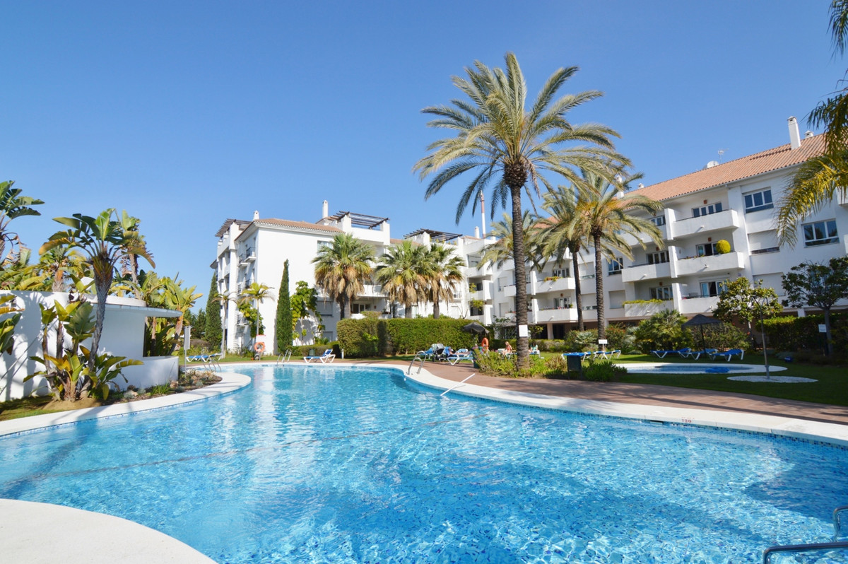* Nueva Andalucia, within walking distance to Puerto Banus and the beach, this 3 bedroom duplex Pent,Spain