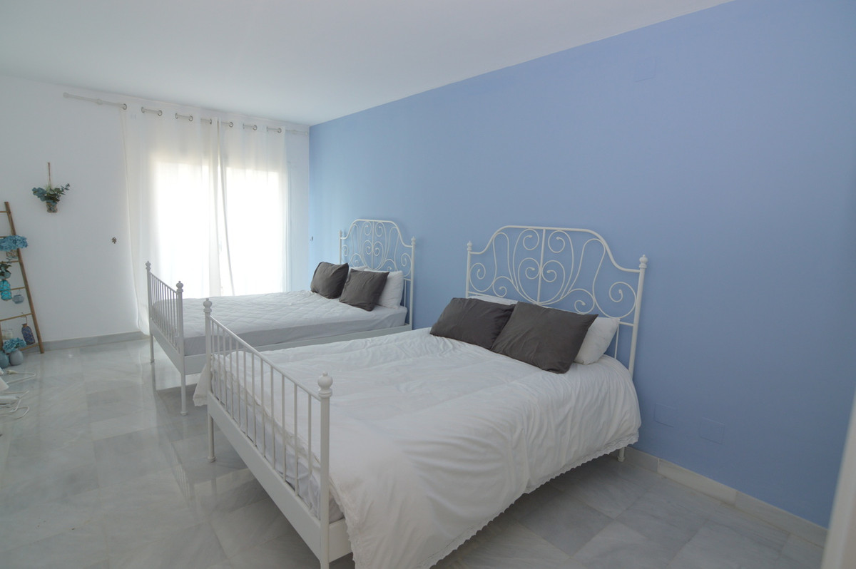 2 Bedroom Ground Floor Apartment For Sale Benahavís