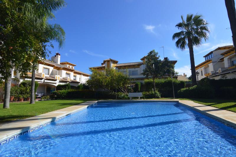 Maisons de ville à vendre à Nueva Andalucia 24
