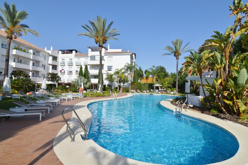 Marbella Banus Apartamento Planta Media, Nueva Andalucía – R3096802