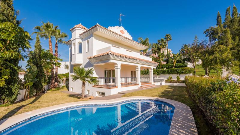 Marbella Banus Villa – Chalet en venta en Guadalmina Alta – R3403951