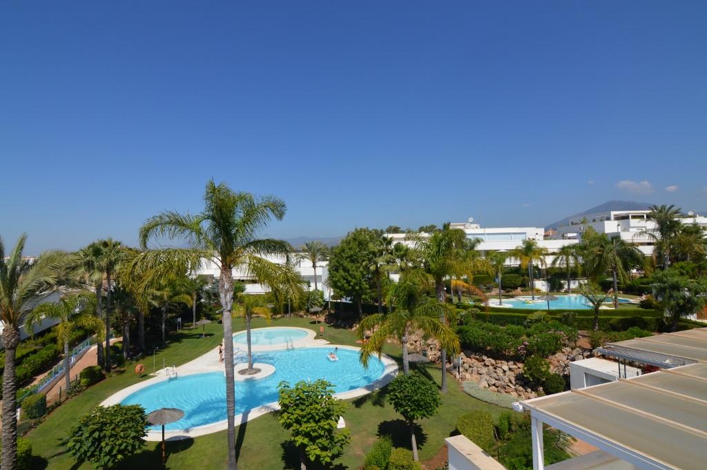 Marbella Banus Ático en Venta en Nueva Andalucía – R3208831