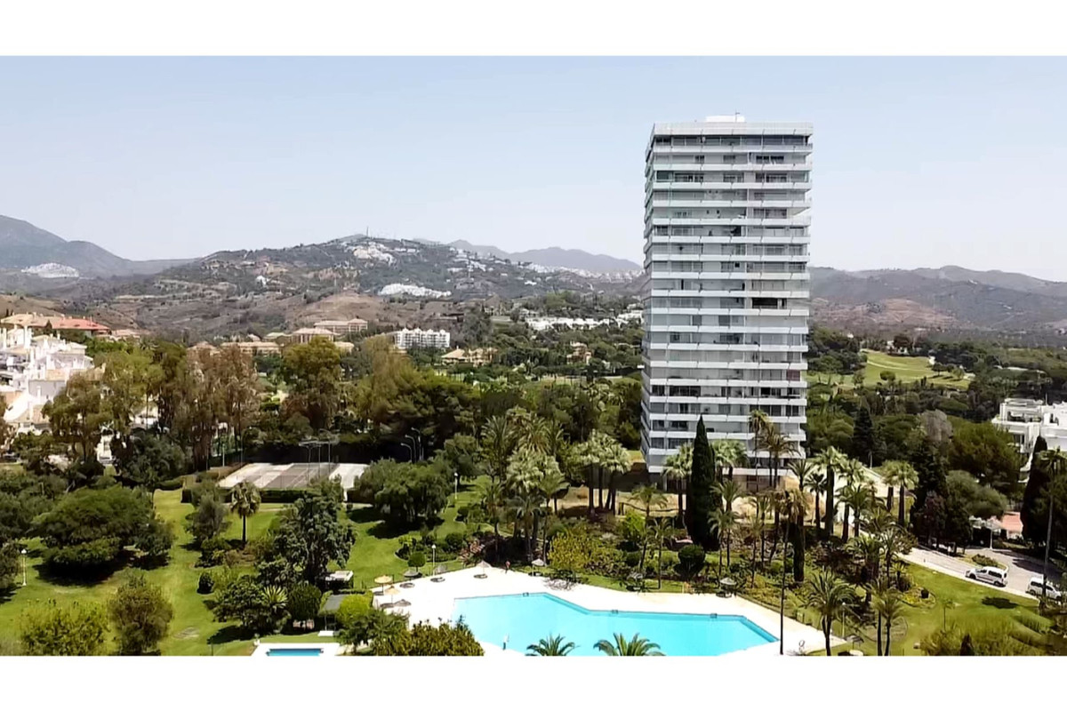 Torre Real, Marbella--- INVESTMENT SPECIAL; REDUCED from 900,000 euros for a quick sale...We are pro,Spain