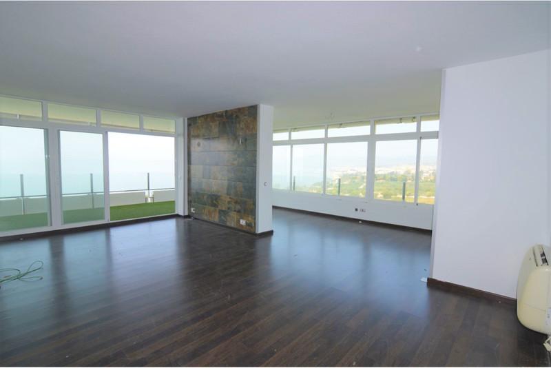 Apartamento Planta Media en venta en Marbella – R2373770