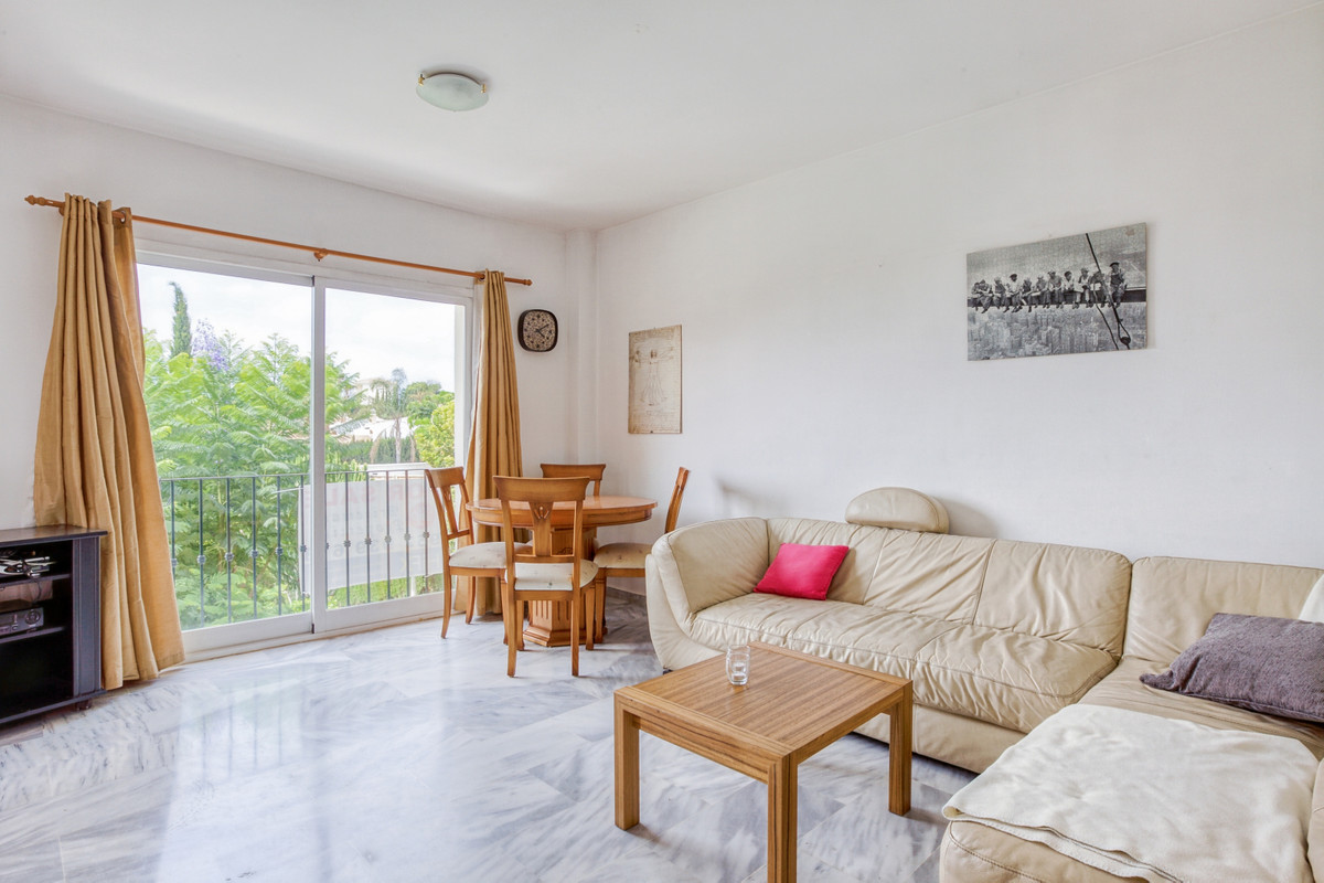 Apartment with 2 bedrooms and 2 bathrooms in Riviera del Sol, located in approximately in the upper , Spain