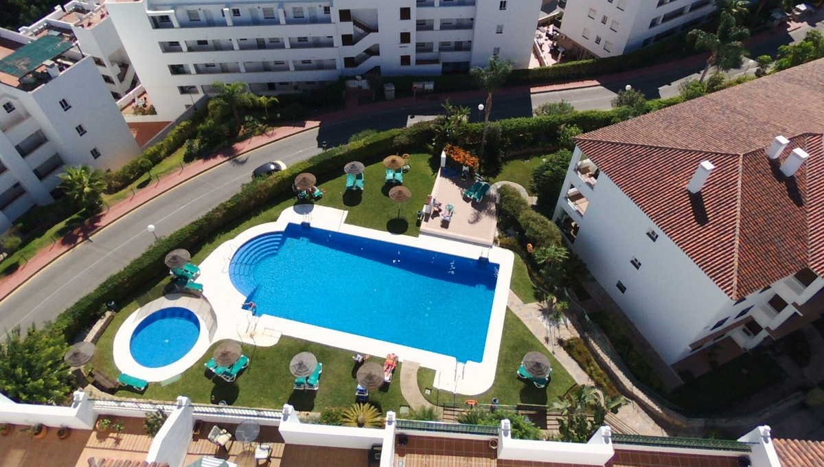 Investment-Miraflores- 4 studio apartment- long let producing €24.000 . All Fully furnished & eq, Spain