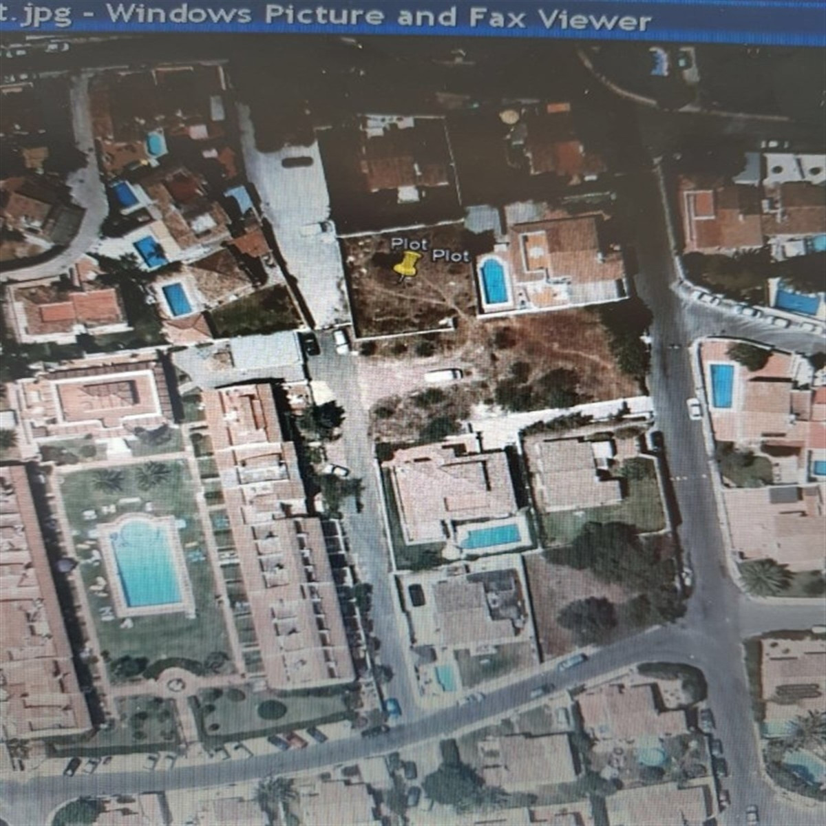 Plot of 428 square meters, square and flat, located in the Calypso urbanization, with the possibilit,Spain