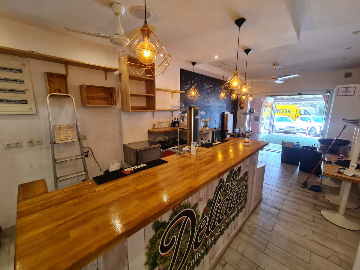 Premises for bar or restaurant for sale in Calahonda, Mijas Costa, located in the El Zoco shopping c,Spain