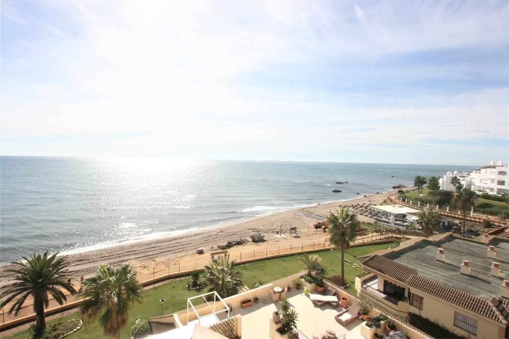Better views than this magnificent apartment does not exist,  corner penthouse two bedrooms two bath,Spain