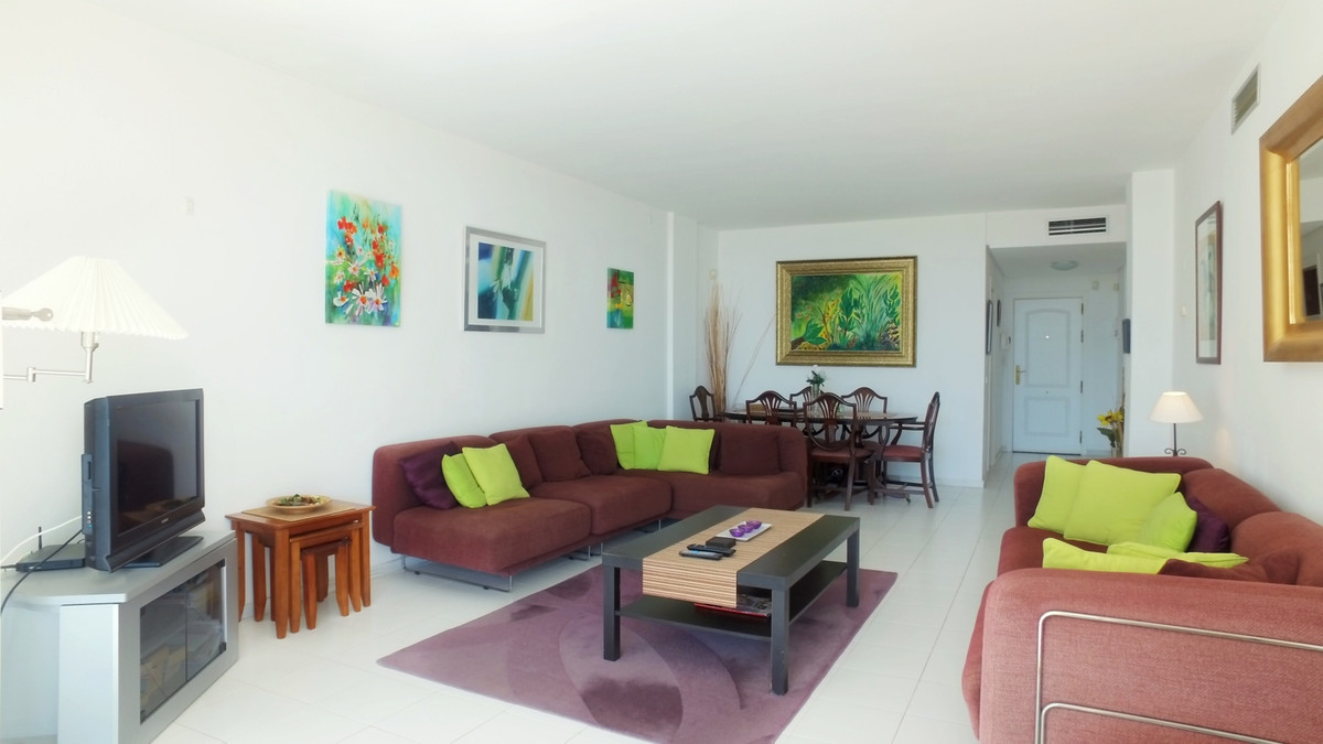 Spacious apartment with two bedrooms, two bathrooms, ground floor, facing the Miraflores golf course, Spain