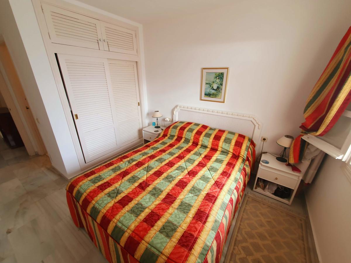 Apartamento Planta Baja en Venta en Calahonda – R3541096