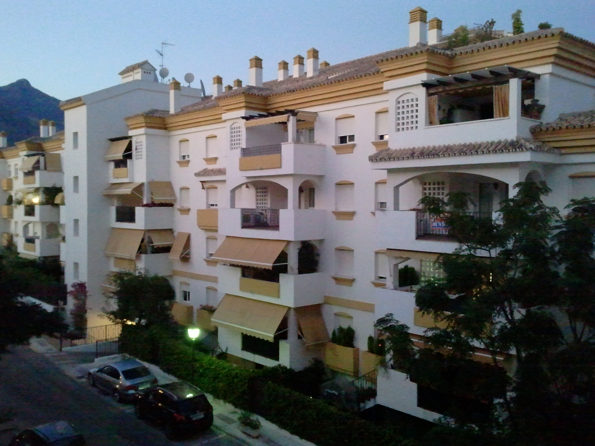 Apartment in listed and consolidated urbanization of Marbella Golden Mile. The community is ideal fo,Spain
