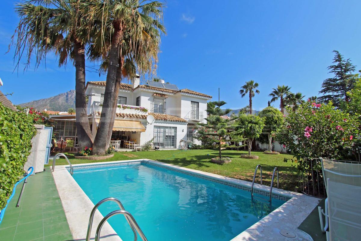 Marbella Banus Villa – Chalet en Venta en Marbella – R3110374