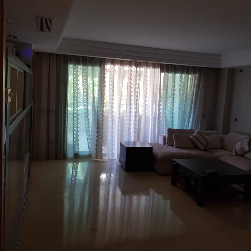 Apartamento Planta Media en venta en Marbella – R3447670