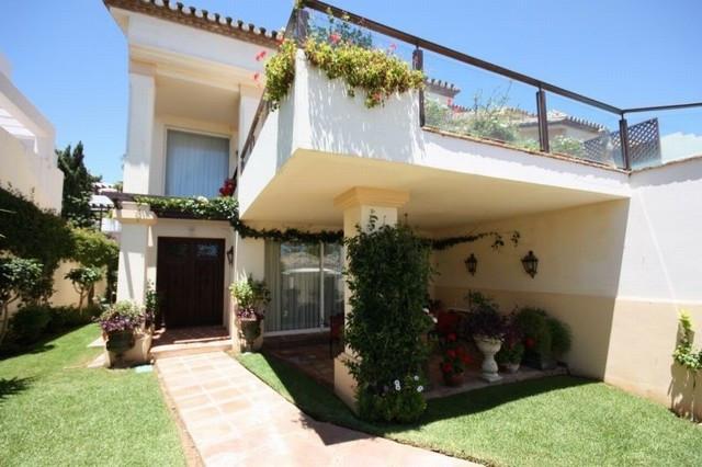 Marbella Banus Villa – Chalet en Venta en Marbella – R2580977