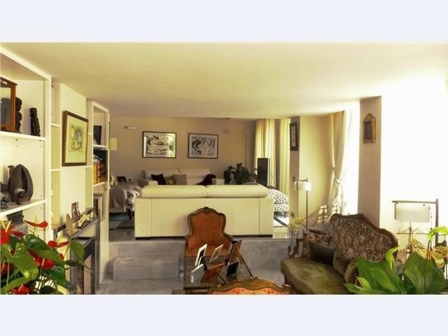 Apartamento Planta Media en Venta en Marbella – R2581283
