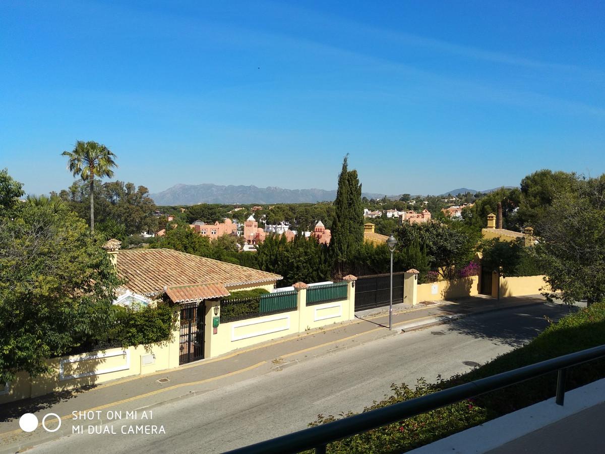 Marbella Banus Apartamento Planta Media en Venta en Marbella – R3196015