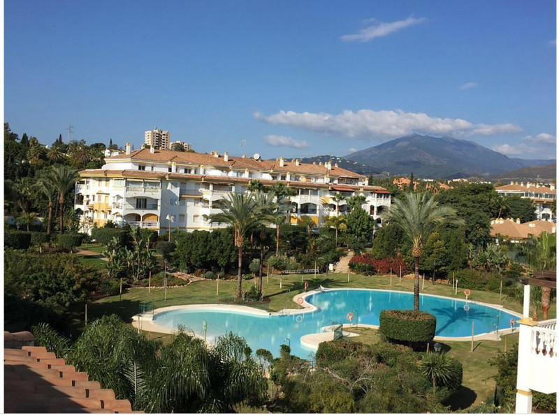 Marbella Banus Apartamento Planta Baja en venta, Puerto Banús – R3187015