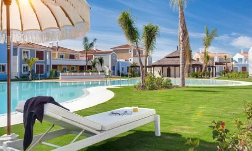Marbella Banus Adosada en Venta en Atalaya – R2608106