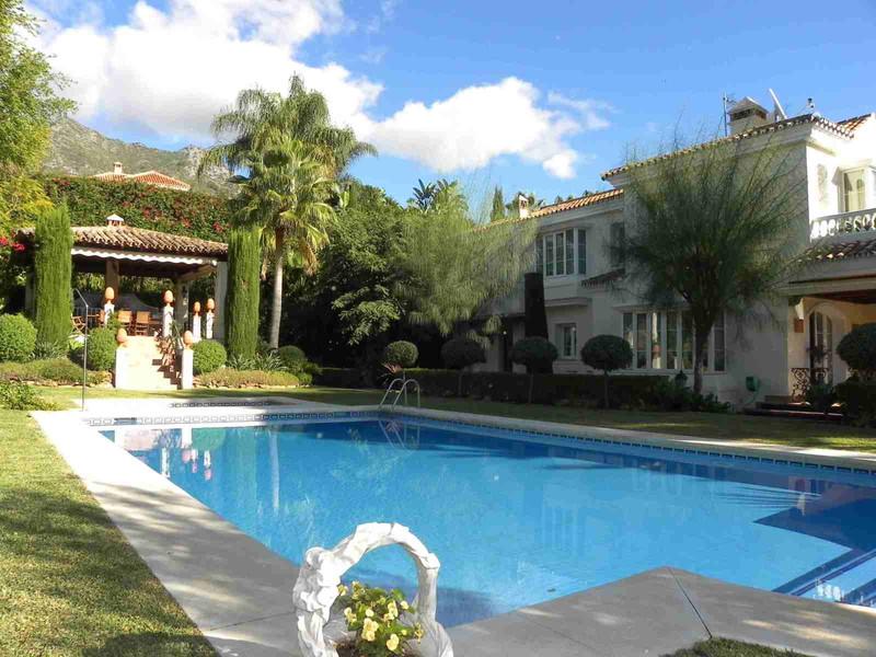 Marbella Banus Se vende Villa – Chalet, Sierra Blanca – R2647604