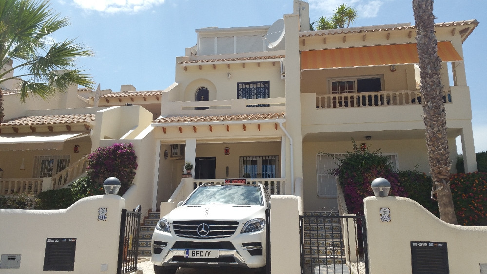 Beautiful Townhouse ideally situated on the picturesque Las Ramblas golf course.  This property come,Spain
