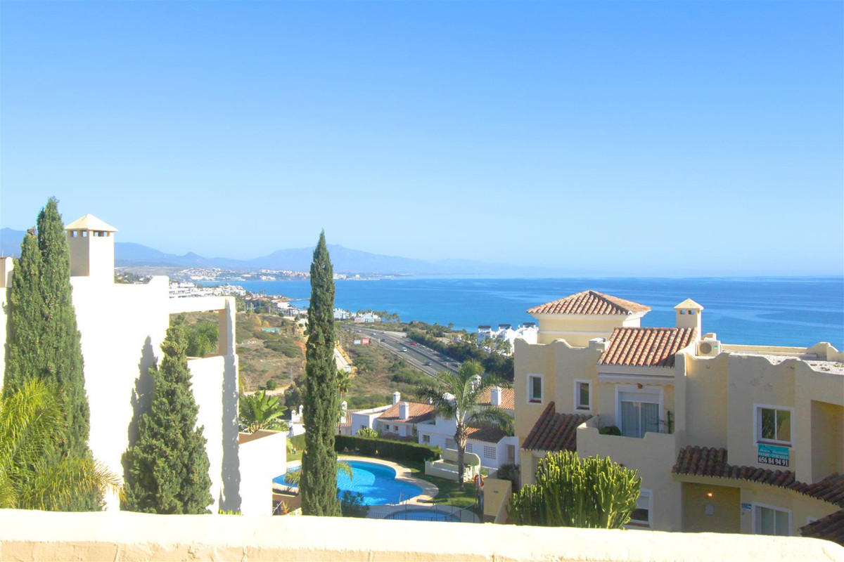 Large, bright and sunny elevated ground floor, 3-bed, 2-bath corner apartment with fantastic views. , Spain