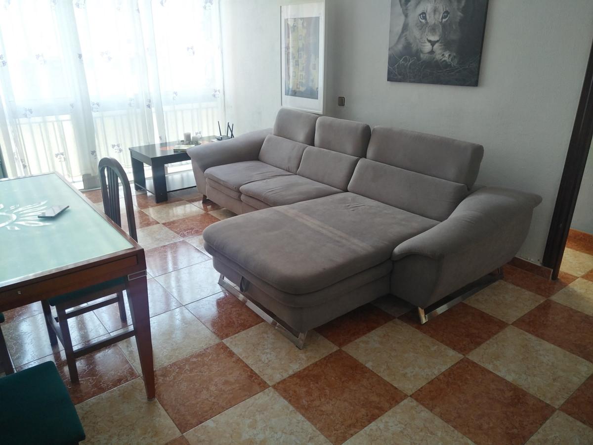 Middle Floor Apartment in Málaga R3342382
