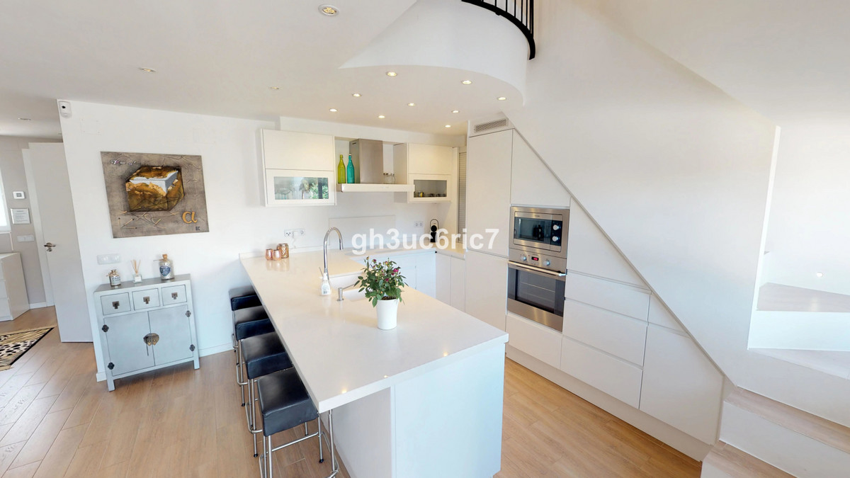 Penthouse in Calahonda R3304357