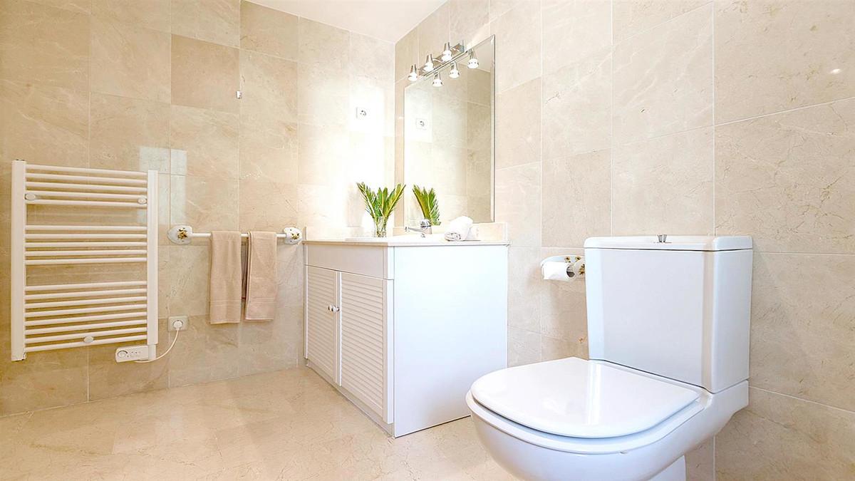 Apartment in La Quinta R3568981 10