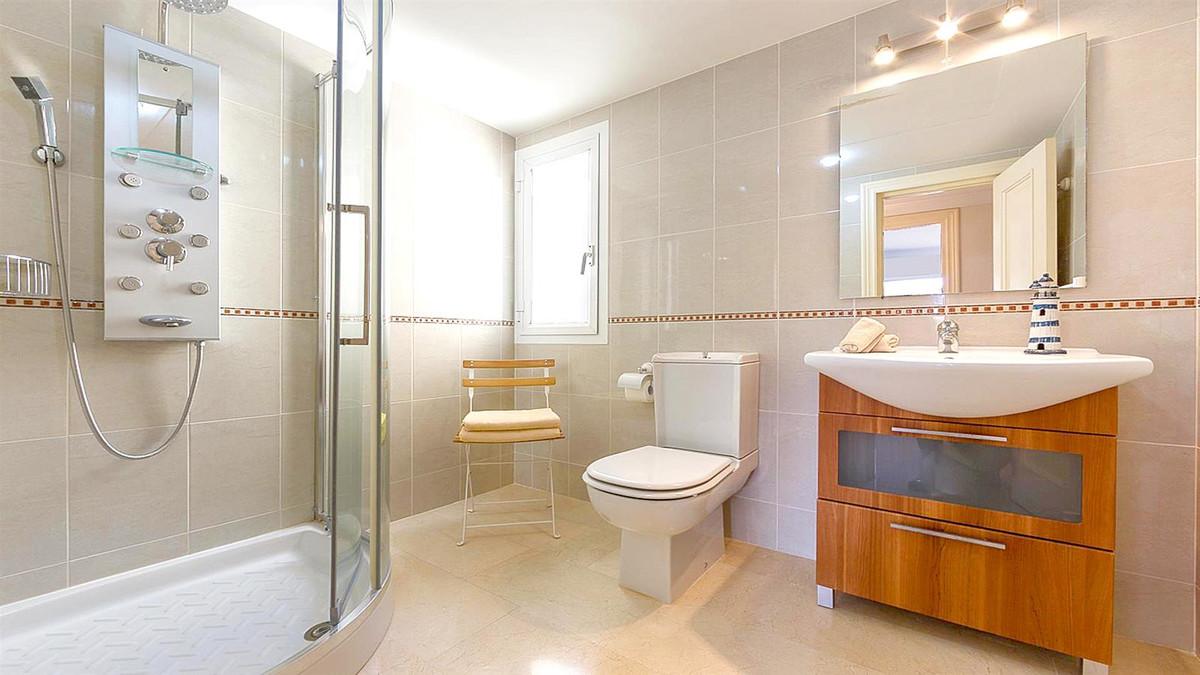 Apartment in La Quinta R3568981 8