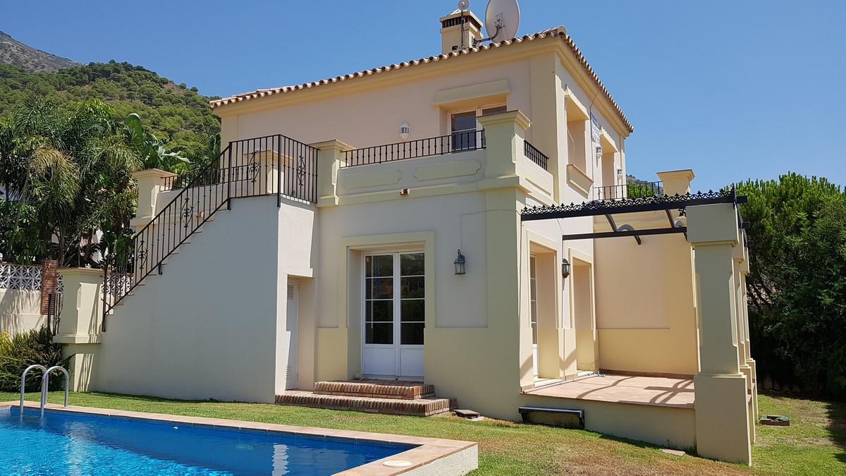 Detached Villa in Mijas R2949176