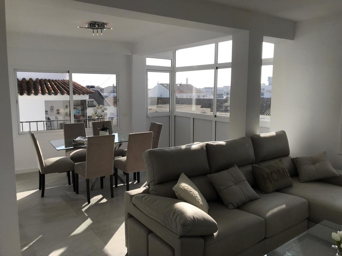 Middle Floor Apartment in San Pedro de Alcántara R3332125