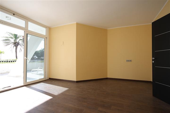 Apartment in The Golden Mile R1922454 3